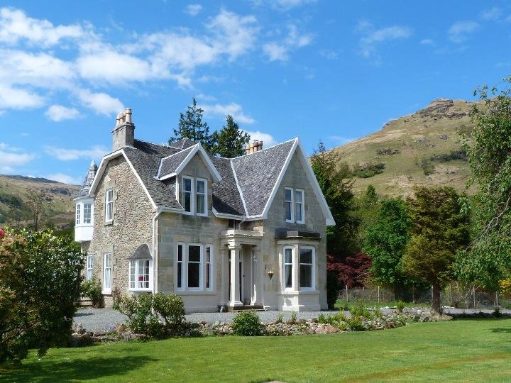 Stupendous Large Holiday Rental On Loch Goil Near Loch Lomond Scotland Download Free Architecture Designs Scobabritishbridgeorg
